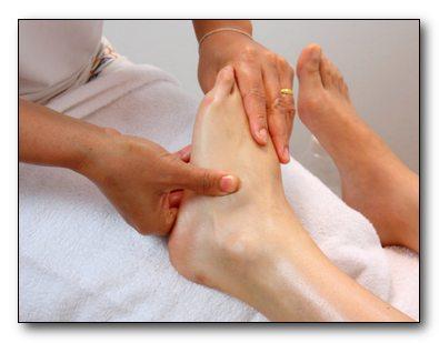 Устраняем недуг с помощью массажа